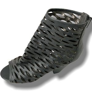 JEFFREY CAMPBELL 'VINTAGE' SHOOTIES W/OPEN WEBBING